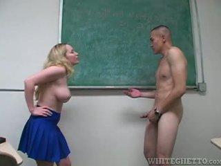 Aiden starr takes hoolitsemine kohta 2 perverts sisse tema kool klassiruum