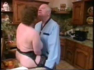 Gammal människa fan stor mes hustru sedan younger flicka