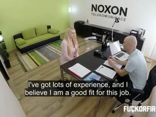 مكتب, مقابلة, على غرار هزلي