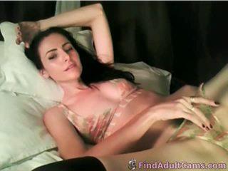 Seksuālā skaistule dildos viņai creamy vāvere par vebkāmera