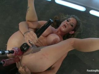 Her Pussy Introduces Her Felony Back For More1