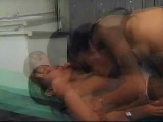 Kitty katzu bare iekšā karstās lesbie porno aktivitāte par daži seksuālā cutie. no voodoo dollz.