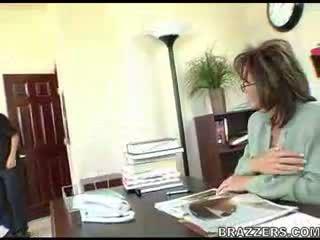 kontor, mammor och pojkar