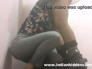 印度人 孩儿 口交 在 restaurant 厕所 mms indian-sex