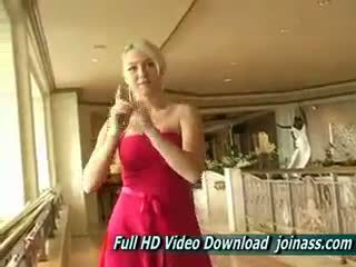 Alison ملاك ل جنسي أحمر فستان acts مثل ل موضة نموذج