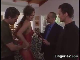 Njijiki mom aku wis dhemen jancok wearing lingerie in a hot papat sawetara