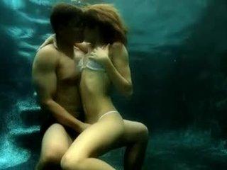 Latīņu mīlestība zem ūdens sekss taisnas