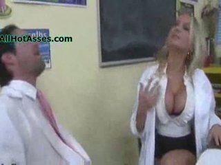 Alanah rae fucks il scienza insegnante