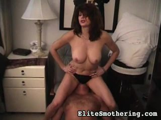 facesitting, penis besar wanita, shooot cum di wajah