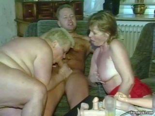 Senelė seksas tryse: tikras senelė porno porno video 4f