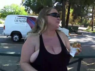Heet mollig vrouw prefers hard boksen