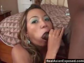 Realasianexposed - asiatisch cutie keeani lei gags auf massiv schwarz schwanz