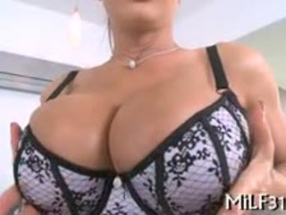 Curvy Darling Gives Wild Riding