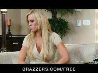 大胸部, 性高潮, 的brazzers
