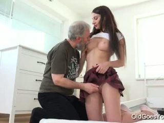 Old Goes Young - Nakita has the most amazing sex