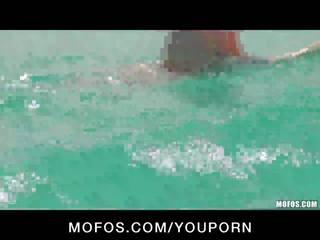 Pervert Spots Stunning Big-Ass Surfer Jenna J Ross On The Beach