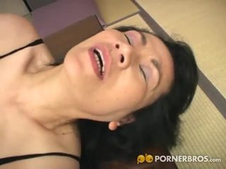 Porner premium: diwasa asia cunt gets toyed with a alat vibrator