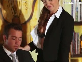 Jauks sekretāre maddy jāšanās viņai boss