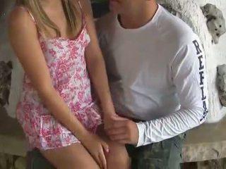 Virgin blond teen gets gefickt von heiß guy
