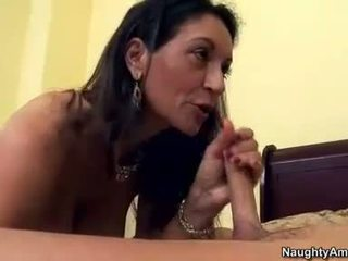 Persia monir eagerly takes a makatas stiff titi sa kanya awesome matamis mouth