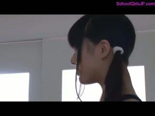 2 schoolgirls sa training bestida giving pagsubo ng titi para guy sa ang dyim
