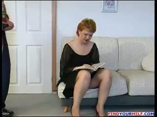 Handyman forced to fuck russian diwasa mom