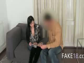 Fake agent having sex cu sani fata