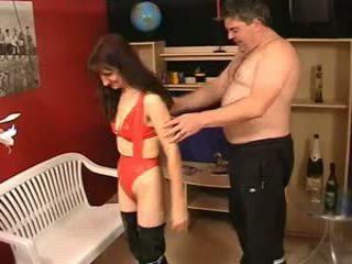 Maduros peluda feia sue em látex e johny 2nd