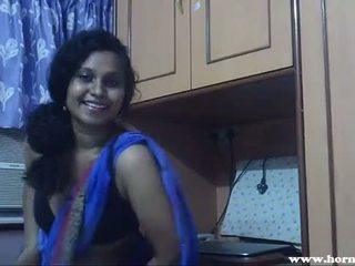 มีอารมณ์ lily ใน blue sari อินเดีย ผู้หญิงสวย เพศ วีดีโอ - pornhub.com