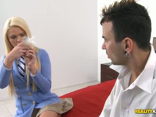Young beauty loves to suck males lengthy pecker