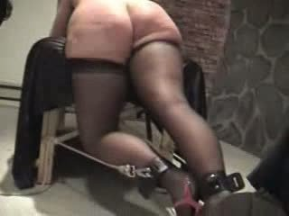 Apaļas pakaļa spank video