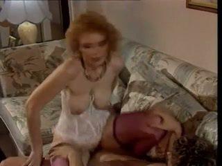 Sexy milf - saggy tieten - retro anaal