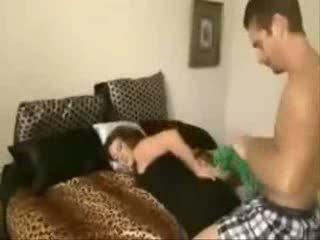Filho takes não sua sexy bela mãe em o cu