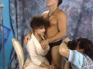 Sarah jauns double penetrated par the boss