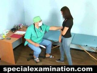 23 yo vika en geil gynecologist