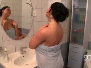 Juicy boobs wife shower video