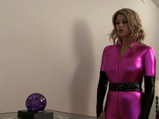 Carissa montgomery-super heroine falls en hypno-chloro trap