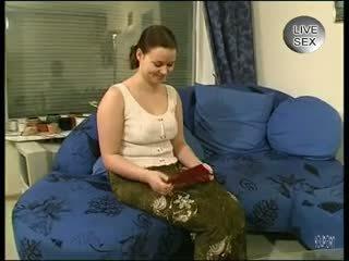 Αυτή loves ο clean ξύρισμα - julia reaves