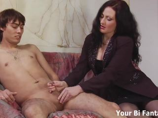 Diwasa babeh cepet and fingerering a lucky hunk