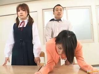 ボス bangs 彼の 秘書