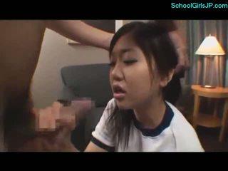 Ученичка в обучение рокля getting тя уста