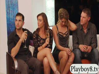Vydaté ľudia swinging a skupina sex v playboy mansion