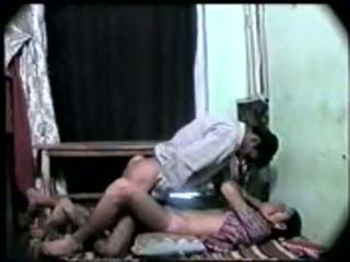 Desi india chica primero tiempo sexo con su boyfriend-on cámara