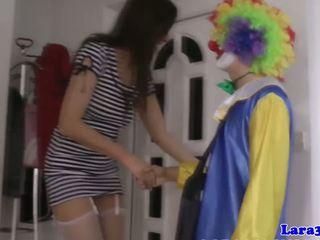 Britannique bas milf cockriding clown, porno 40
