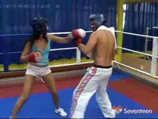 Porno uvnitř the boxerské ring