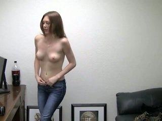 Alicia takes ji hlačke off. ona needs denar