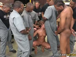 Amirah adara fucks an entire crew の ブラック guys
