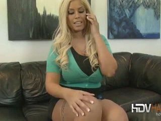 Bridgette b geneukt diep door groot zwart lul