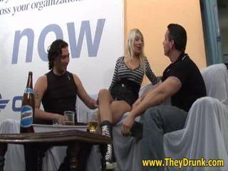 hardcore sex, ideāls pissing, hq piedzēries svaigs