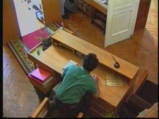 Russisch babe in bibliotheek 00